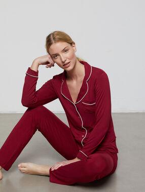 Chemise de pyjama bordeaux grenat.