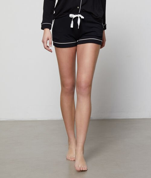 Two-tone shorts