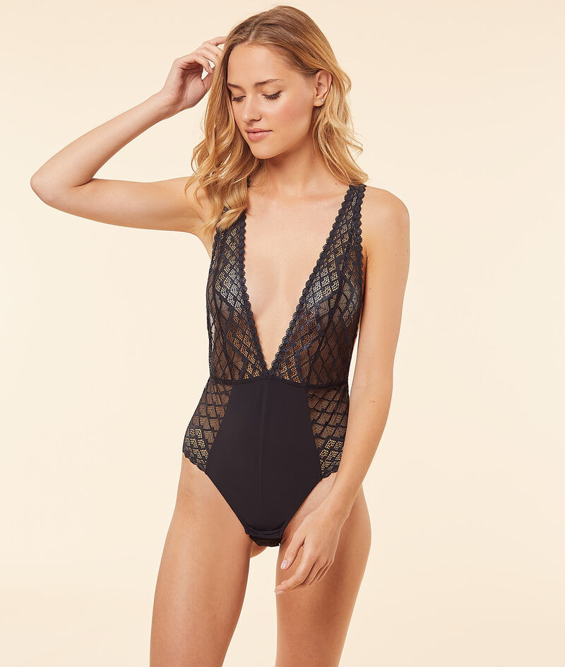 Lace crossed back body;${refinementColor}