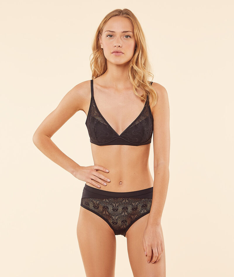 Non-wired thinly padded bra ;${refinementColor}