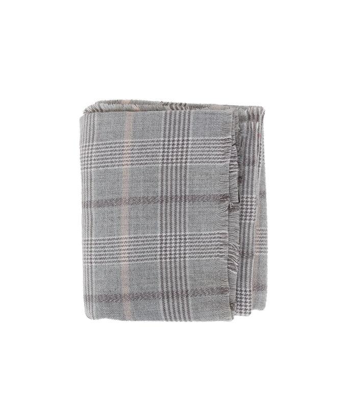 Plaid doux à carreaux gris.