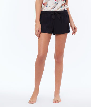Jacquard shorts, belted black.