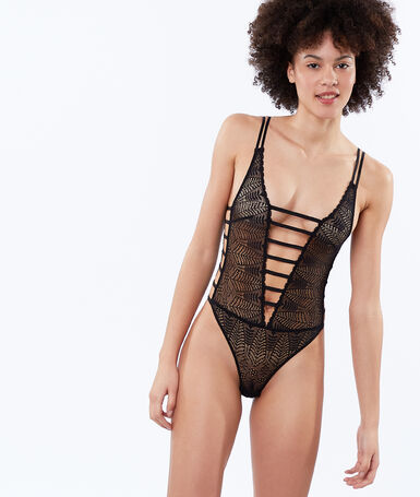 Open bodysuit in lace black.