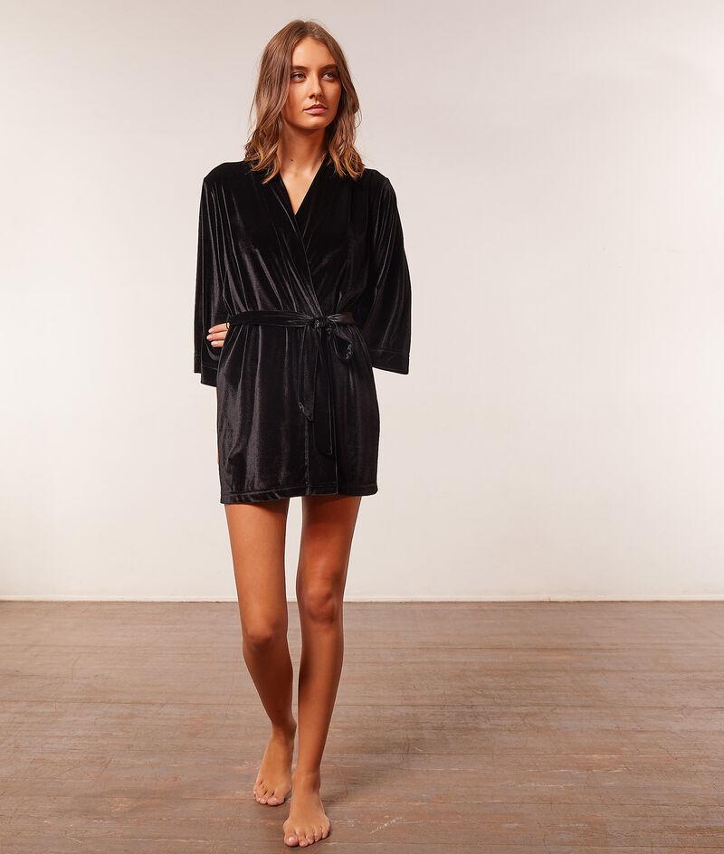 Embroidered velvet robe ;${refinementColor}