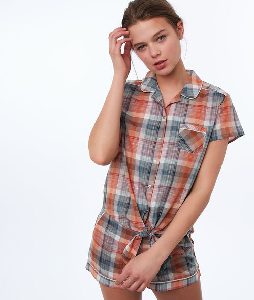 Knotted chequered shirt