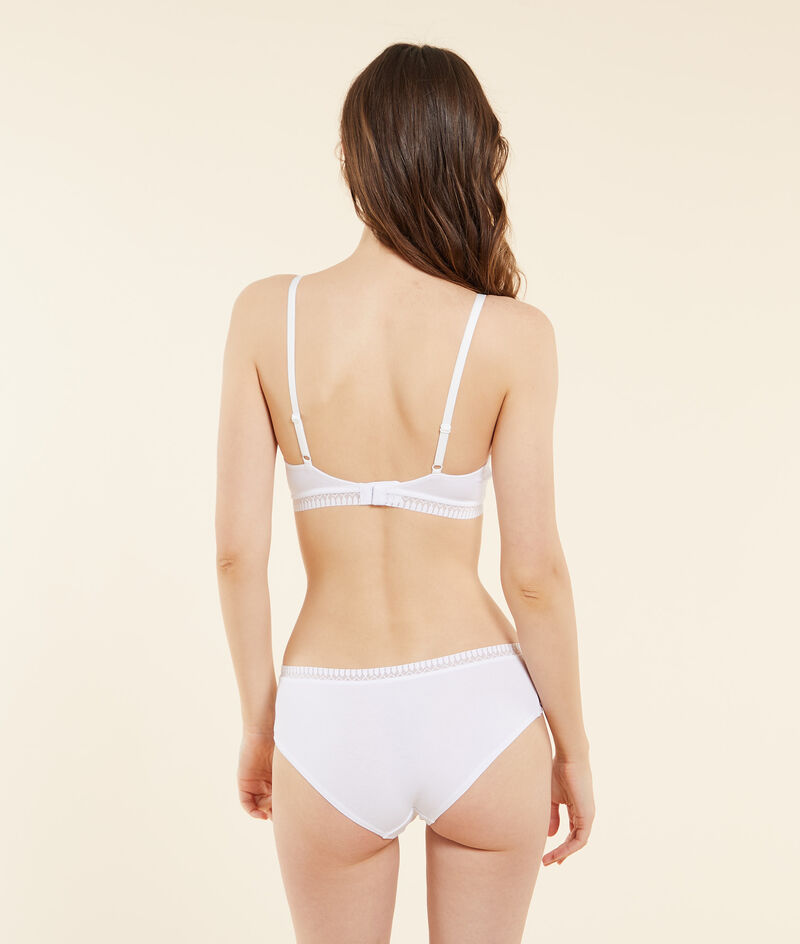 Organic cotton shorts;${refinementColor}