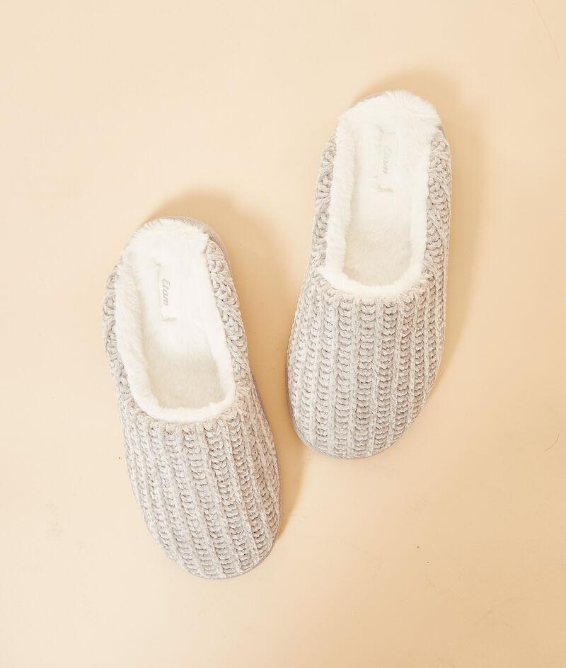 Mule slippers ;${refinementColor}