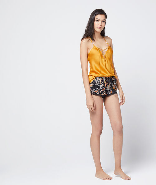 Shorts with lace trim