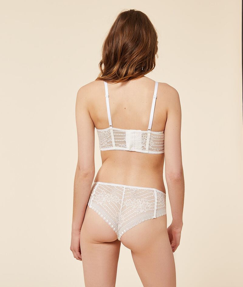Lace Hipster with removable garter belt;${refinementColor}