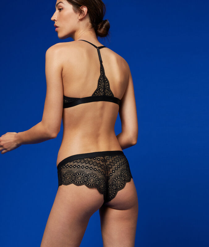 Bra no. 4 - classic padded lace bra with racer back black.