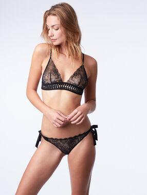 Fine lace triangle bra black.