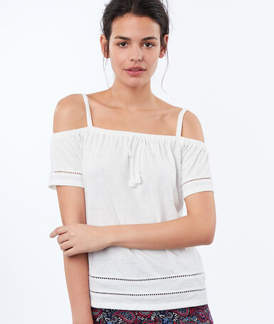 Bare-shoulder top white.