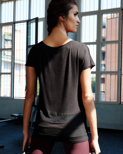 T-shirt with fishnet panel black.