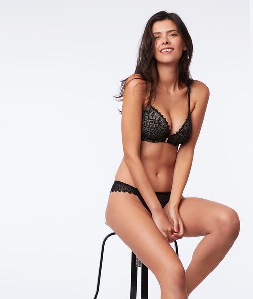 Bra n°5 - classic padded lace bra with racer back