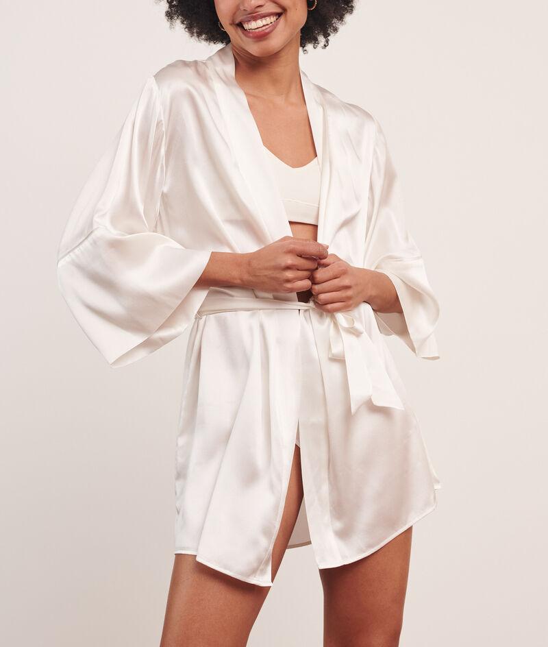 Silk kimono;${refinementColor}