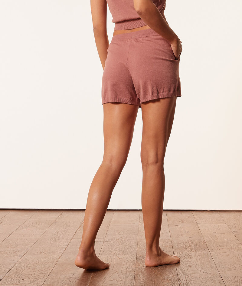 Knit shorts ;${refinementColor}