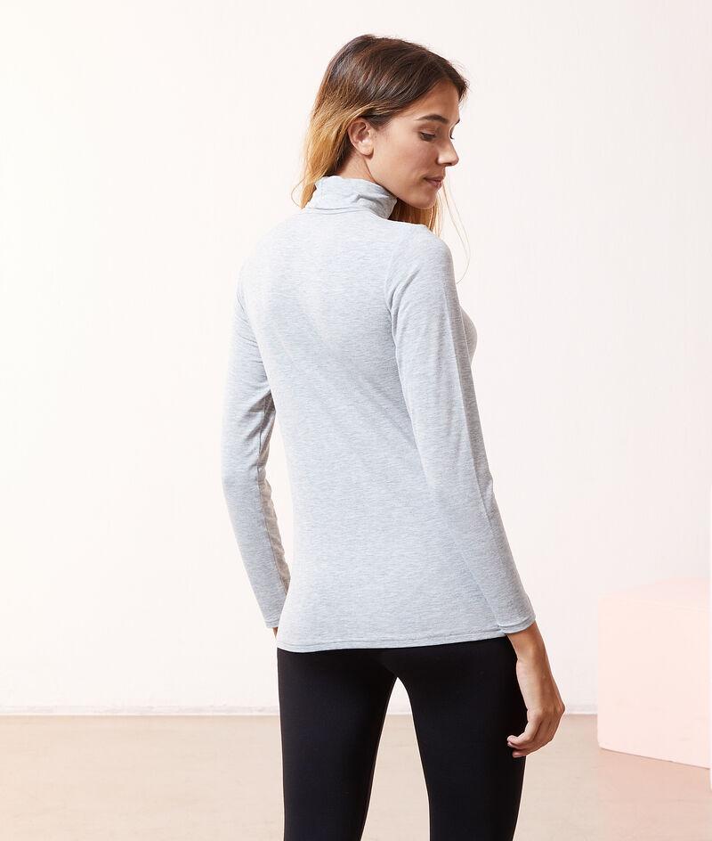 Turtleneck in a fine knit;${refinementColor}