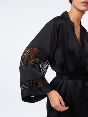 Satin kimono with lace sleeves black.