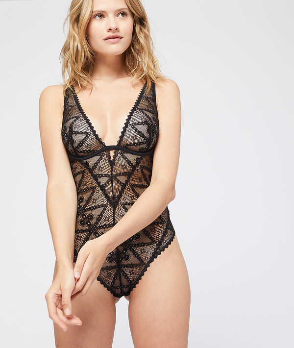 Graphic lace body