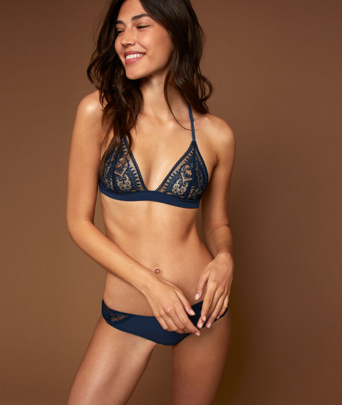 Lace triangle, racer back navy.