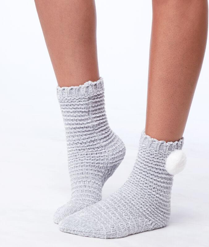 Chausettes homewear à pompon gris.