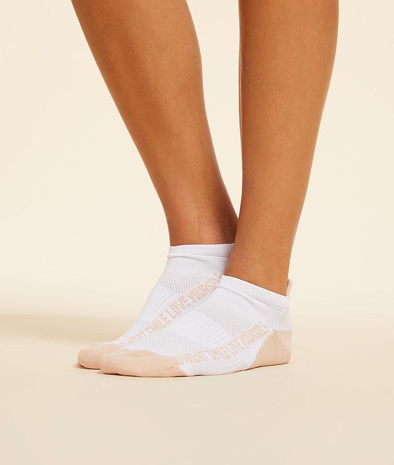 Set of sports socks ;${refinementColor}