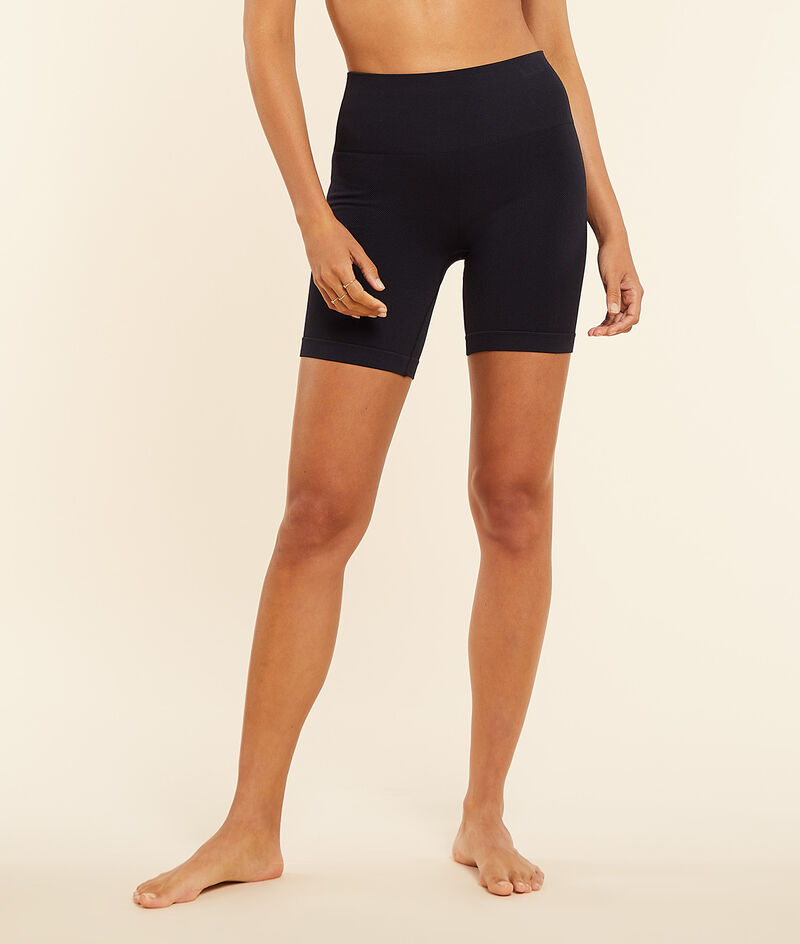 Cycling shorts;${refinementColor}