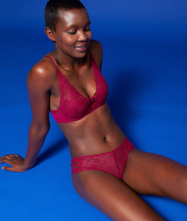 Bra no. 3 - lace triangle push-up bra, neckline details plum.