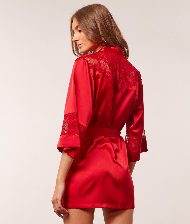 Kimono satiné détails dentelle;${refinementColor}