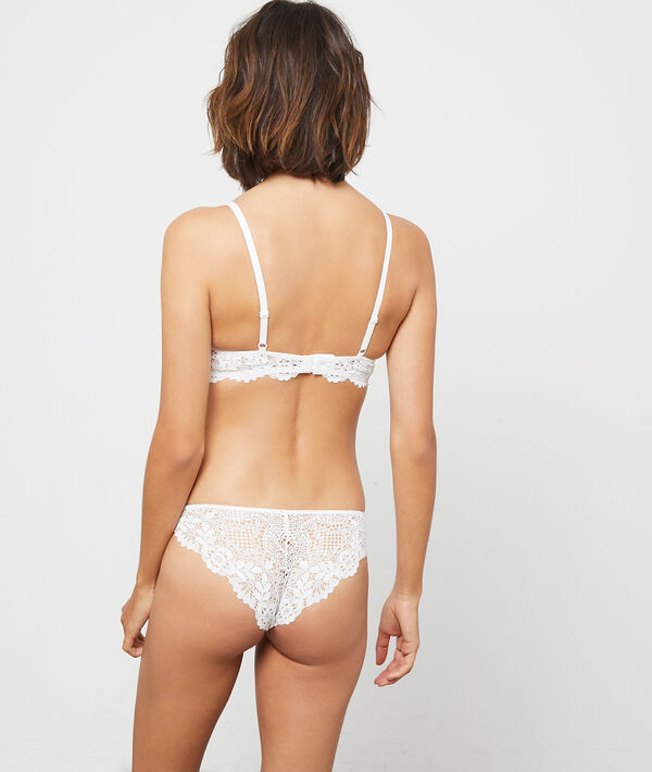 Bra n°6 - Natural look lace triangle bra;${refinementColor}