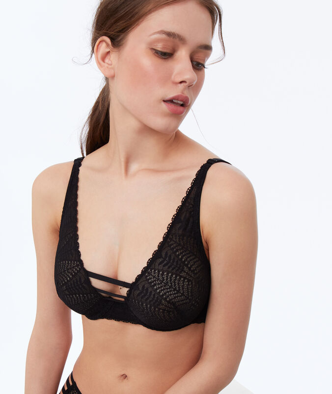 Non-padded lace bra black.