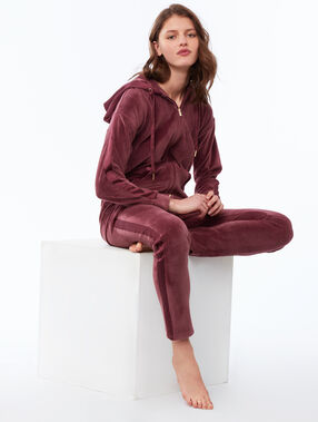 Velvet hoodie blackcurrant.