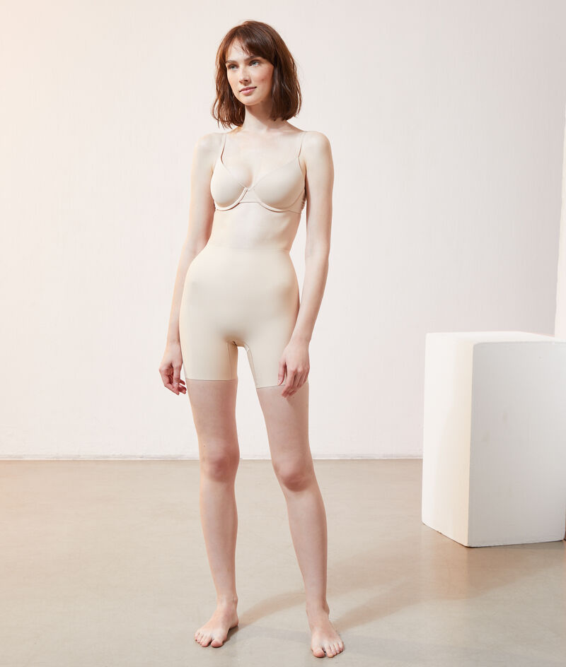 Sculpting panty - strong support;${refinementColor}