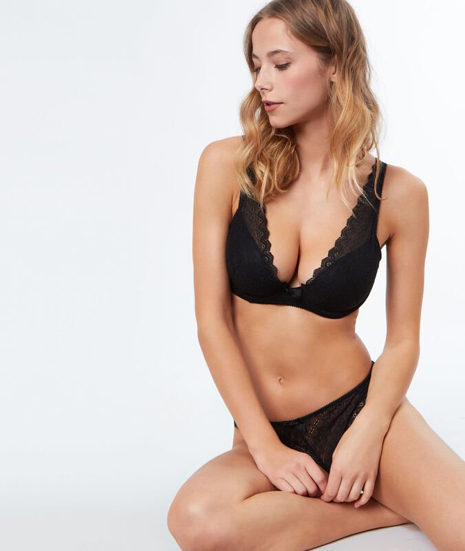Lace padded triangle bra, d cup black.