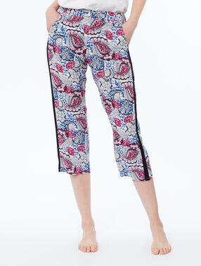 Print capri pants blue.