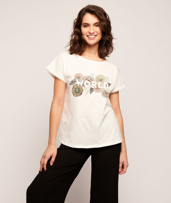T-shirt in a roses 'world' print;${refinementColor}