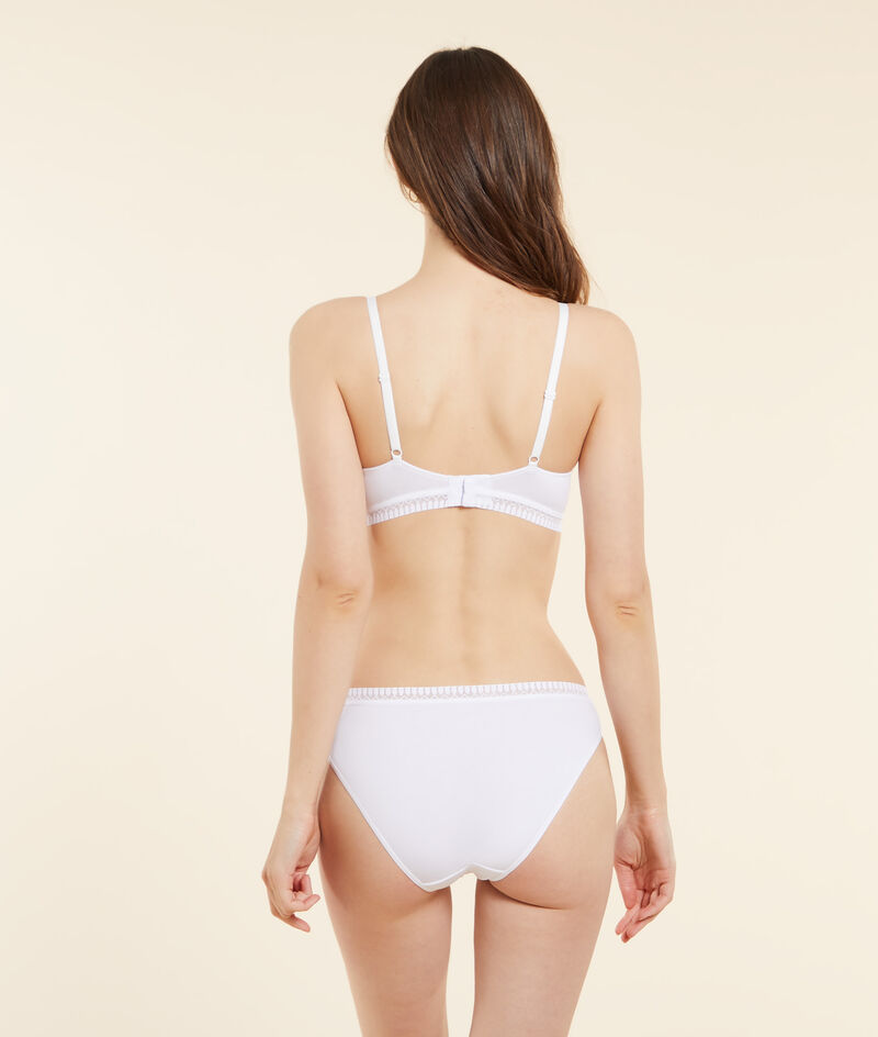 Non-wired lightly padded organic cotton bra;${refinementColor}