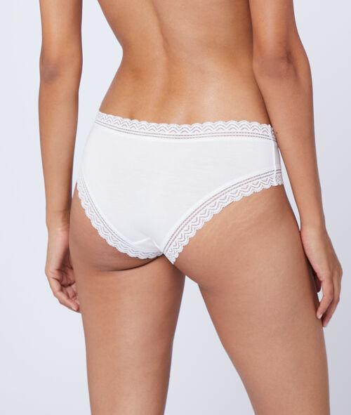90% modal shorty briefs, lace edges