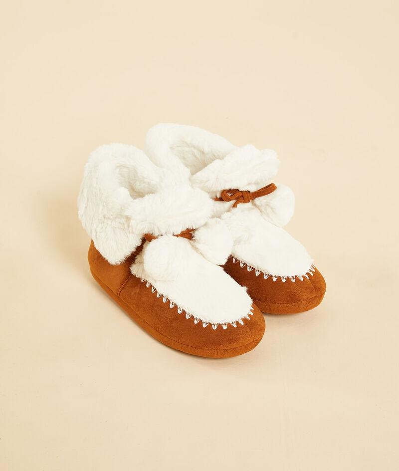 Furry slipper boots ;${refinementColor}