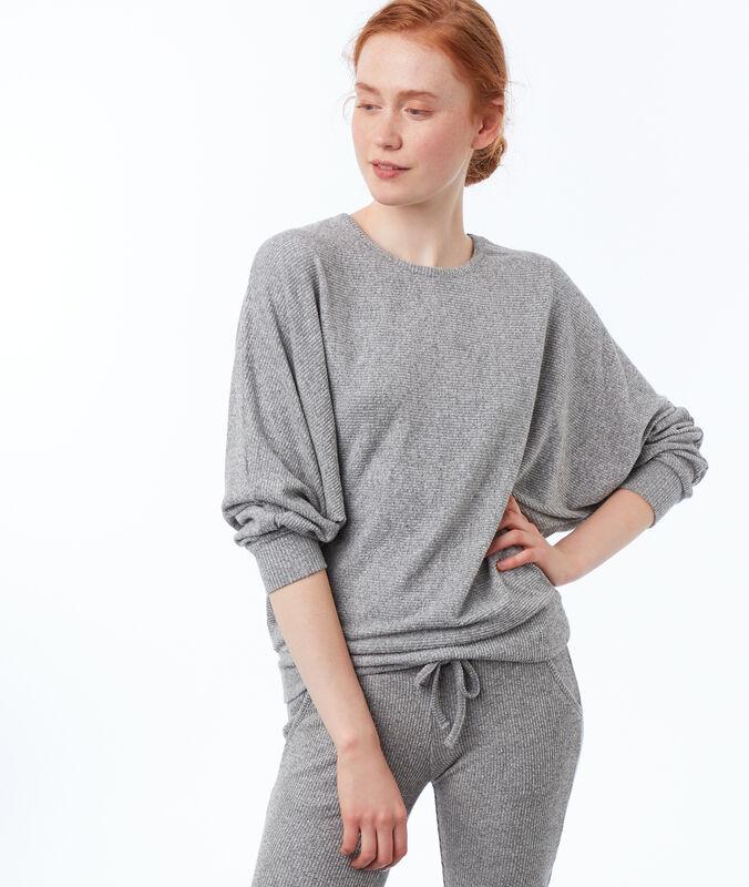 Batwing knit sweatshirt gray.