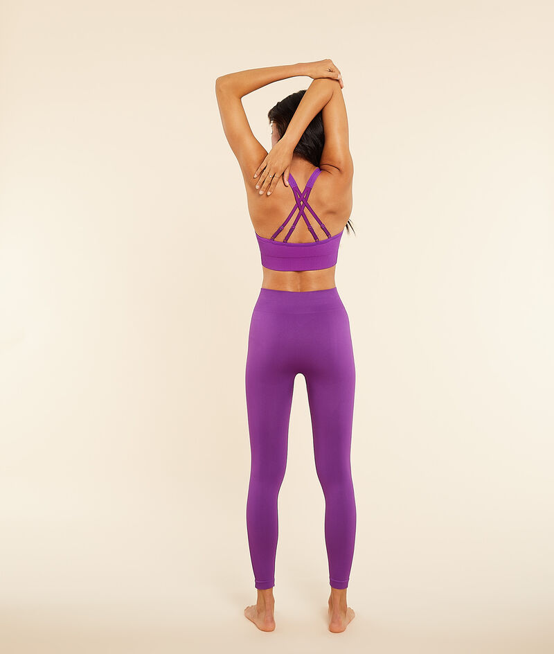 Cropped yoga leggings ;${refinementColor}
