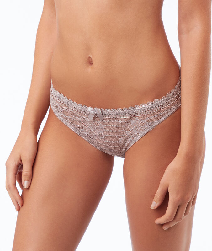 Lace briefs taupe.