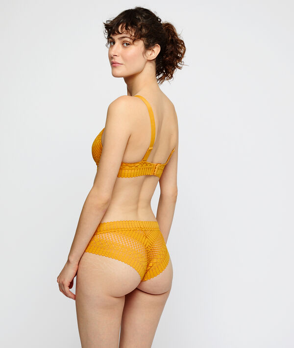 High waisted lace shorty;${refinementColor}