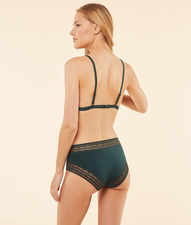 Non-wired triangle bra with lace details ;${refinementColor}