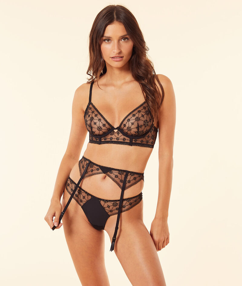 Thong in embroidered tulle ;${refinementColor}