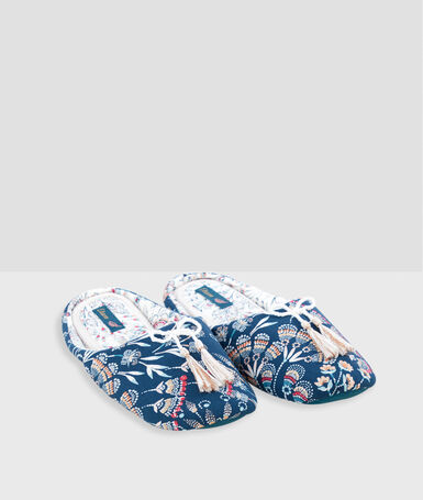 Print slippers with tassels blue.