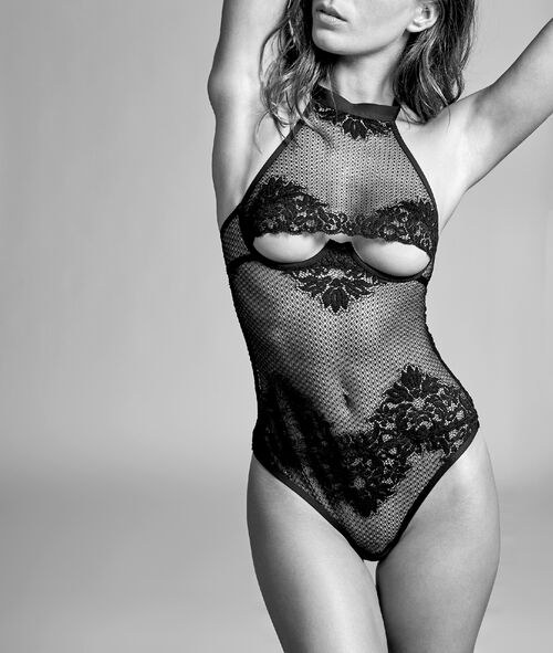 Mesh body with French lace