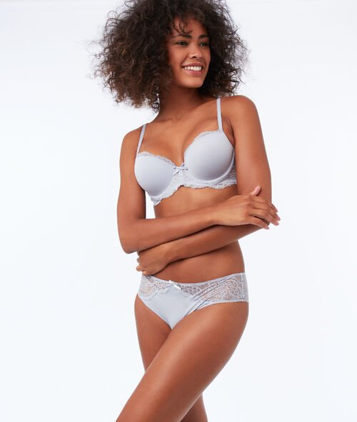 Bra with thin padding, lace and microfiber
