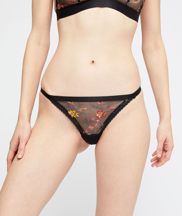 String in floral embroideries;${refinementColor}