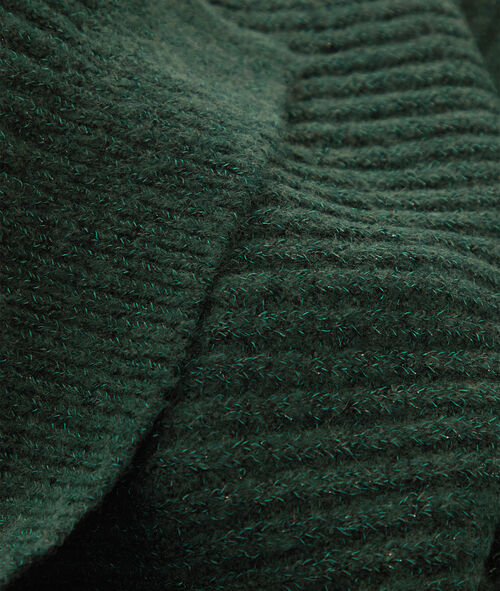 Scarf with metallic thread